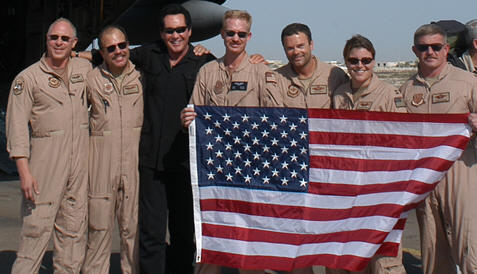 Wayne Newton with troops in Iraq during 2003 USO tour.