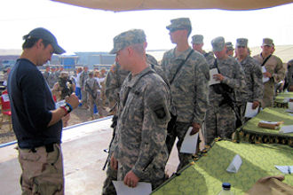 Keni Thomas meeting troops on 2005 USO Tour